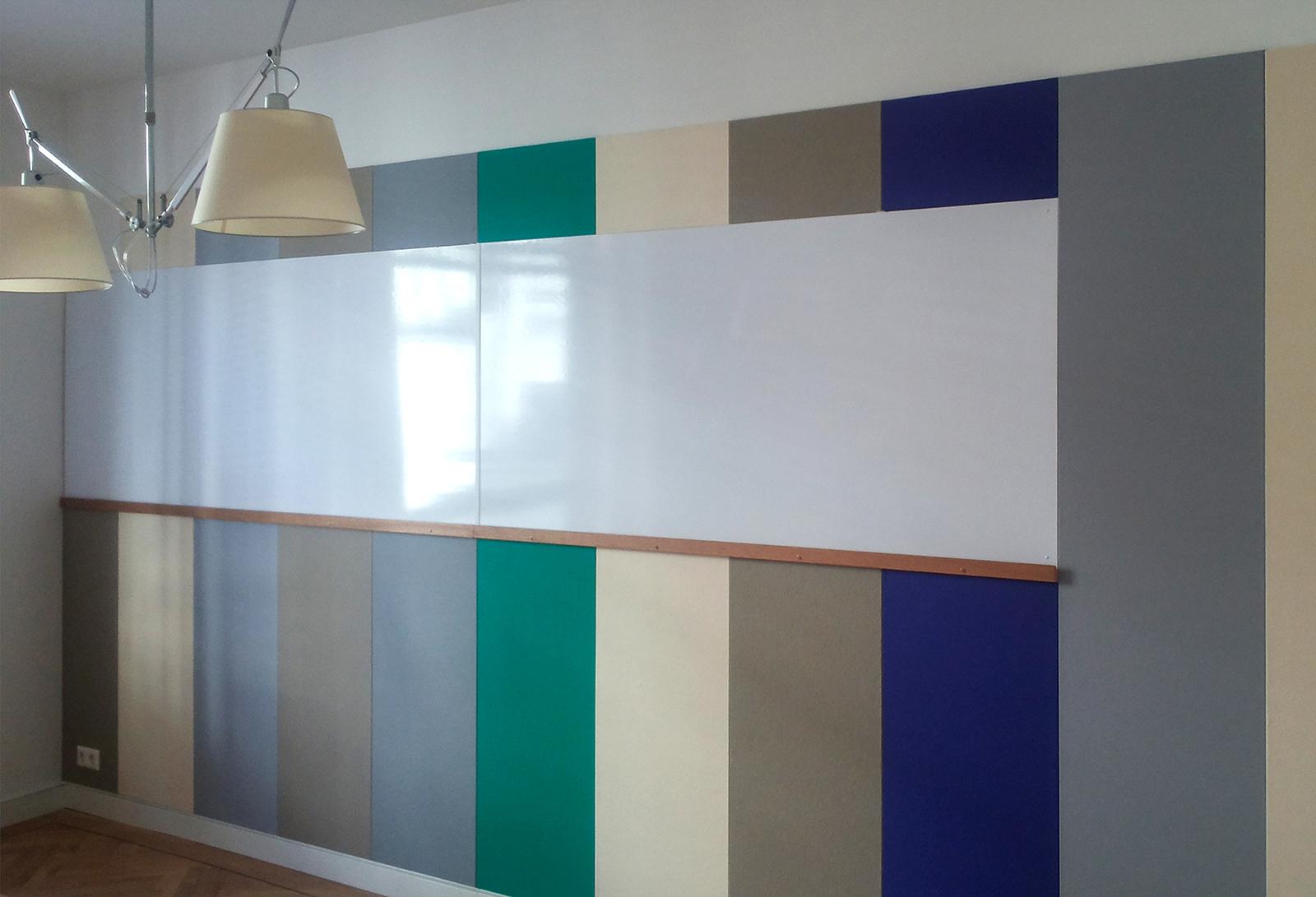 Vilten wand met whiteboard